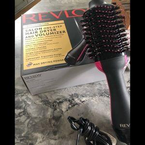 733b197da37 ... Revlon One-Step hair dryer   volumizer
